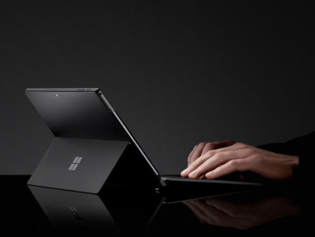 SurfacePro6ブラックカラー