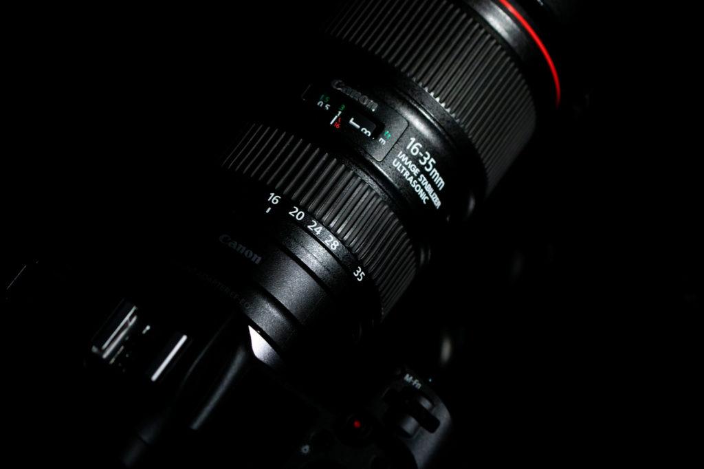 canonの広角ズームレンズ16-35mm