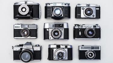 プロ写真家だけじゃない!アマチュアカメラマンにもサブカメラが必要な理由