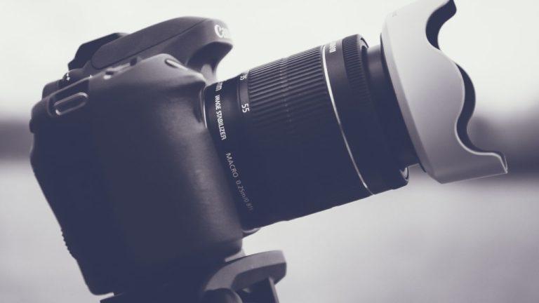 ストックフォト撮影で使用するで示達カメラのイメージ画像