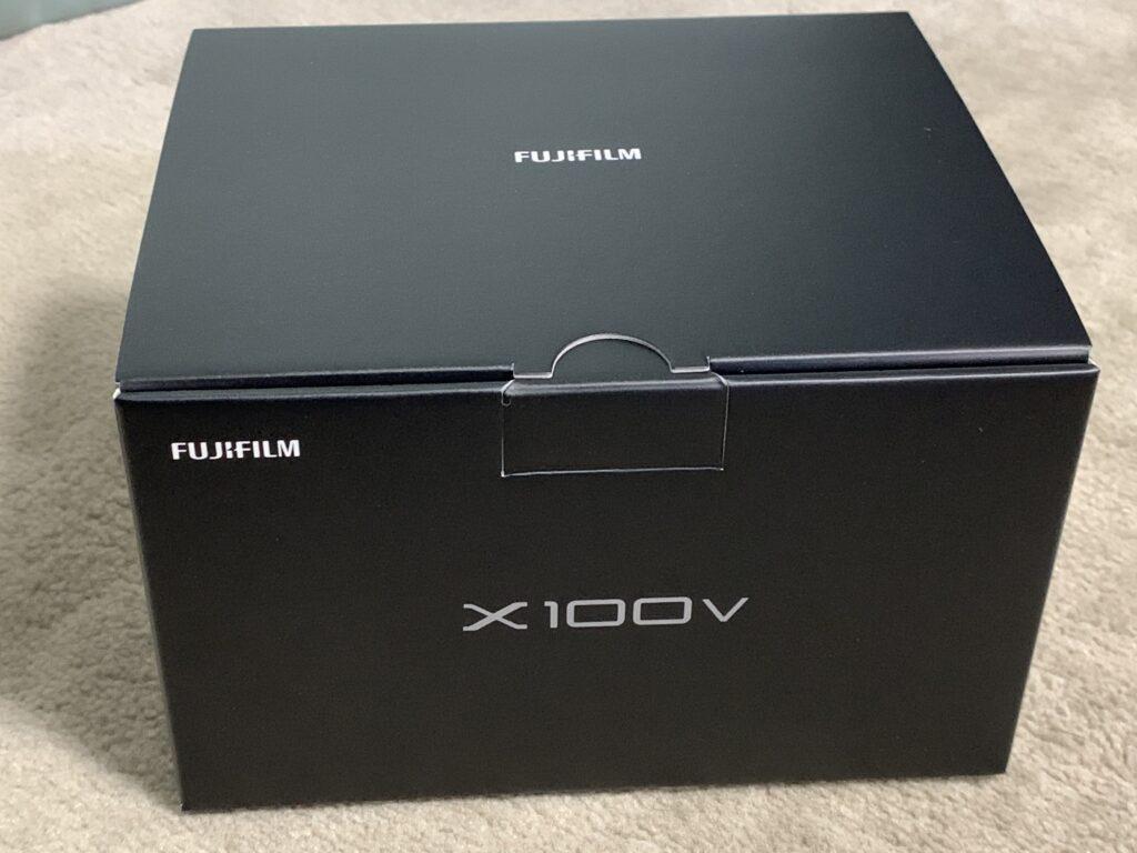 富士フイルムのFUJIFULM X100Vの箱