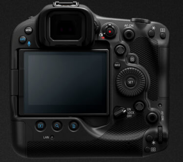 EOS R3の背面イメージ画像